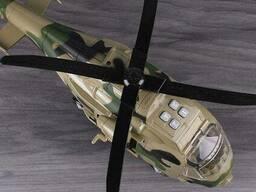 Вертолёт военный. Игрушка