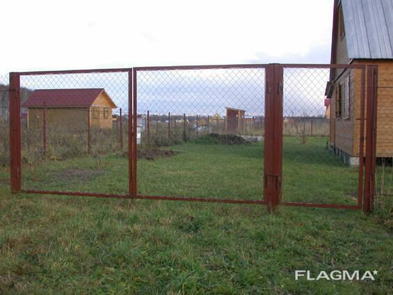 Ворота металлические из сетки и прутьев