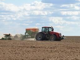 Вспашка и обработка земли