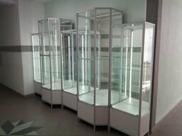 Выставочное демонстрационное оборудование, витрины, прилавки
