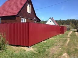 Забор из металлопрофиля и сетки-рабицы