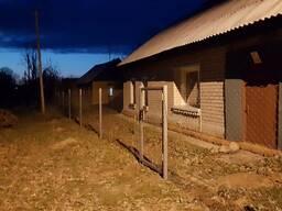 Забор из сетки рабица. Калитки . Ворота. Фундамент