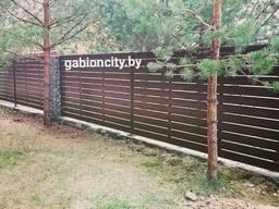 Забор Ранчо из штакетника, столбы из габионов