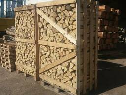 Закупаем дрова колотые сырые и сухие в ящиках на экспорт