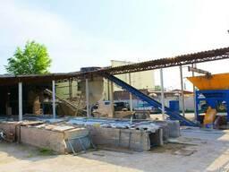 Завод, производство кирпича и блоков.
