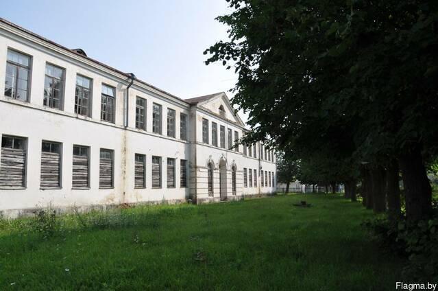 Здание бывшей средней школы №1 г. Ошмяны